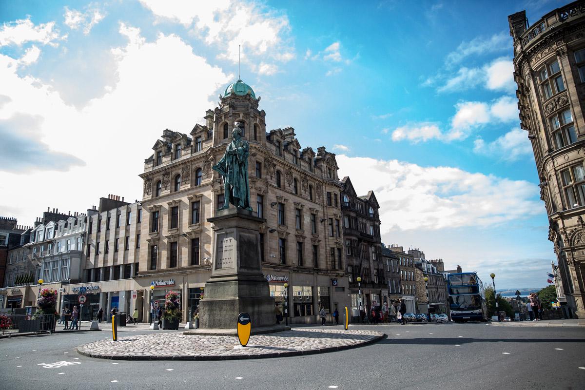 Edimburgo incontri online 10 segni che stai uscendo con uno psicopatico Yahoo